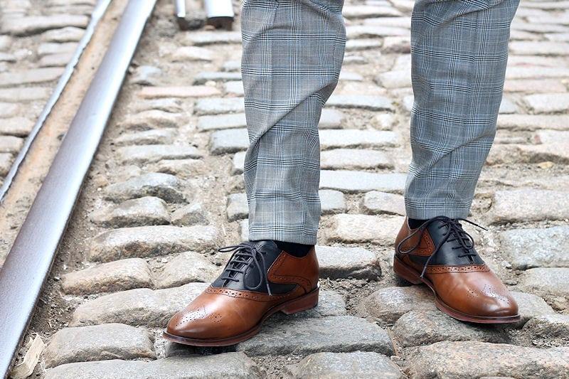 Kahverengi Ayakkabı Nasıl Giyilir?